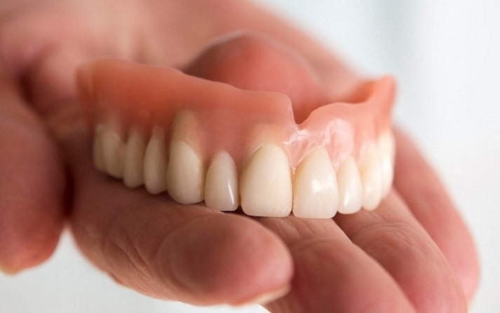 Maintaining good denture care to increase long lasting-min