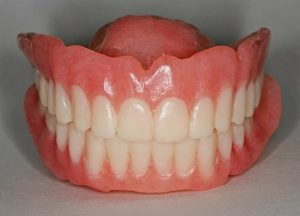 Traditional complete full dentures-min