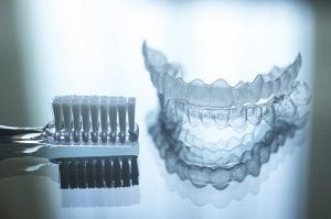 Cleaning tips for tooth retainer